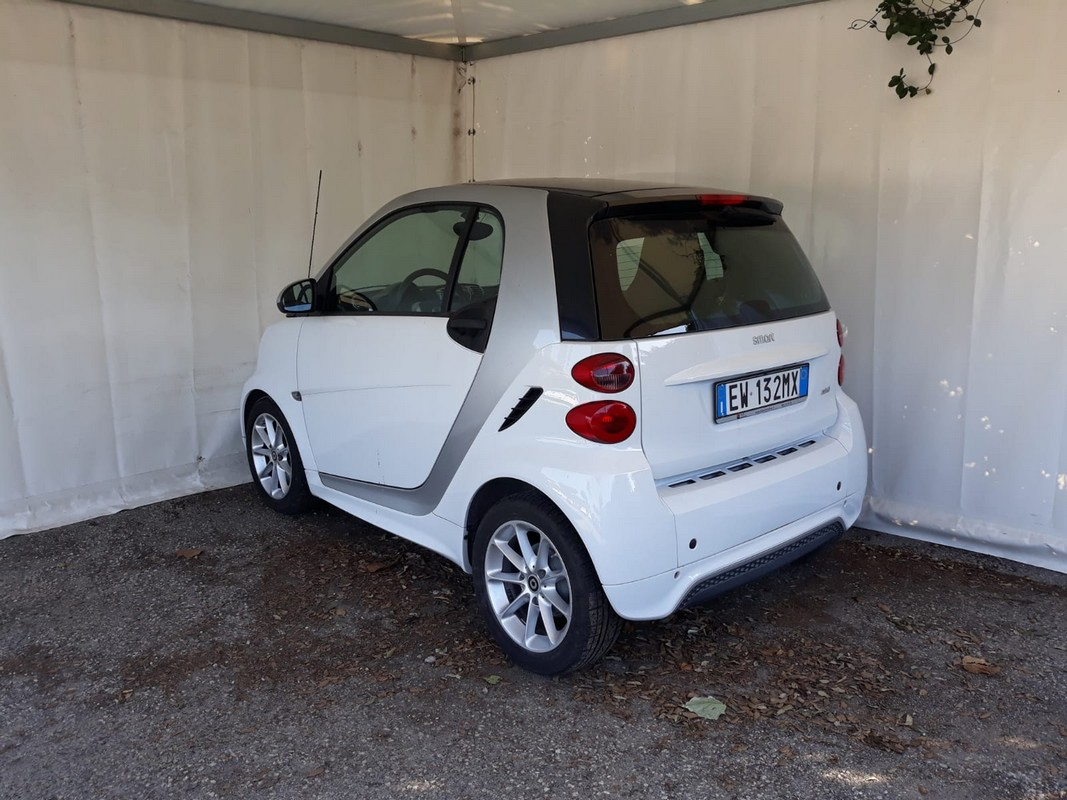 Smart Fortwo 1000 52 kW MHD coupé passion 2010 1