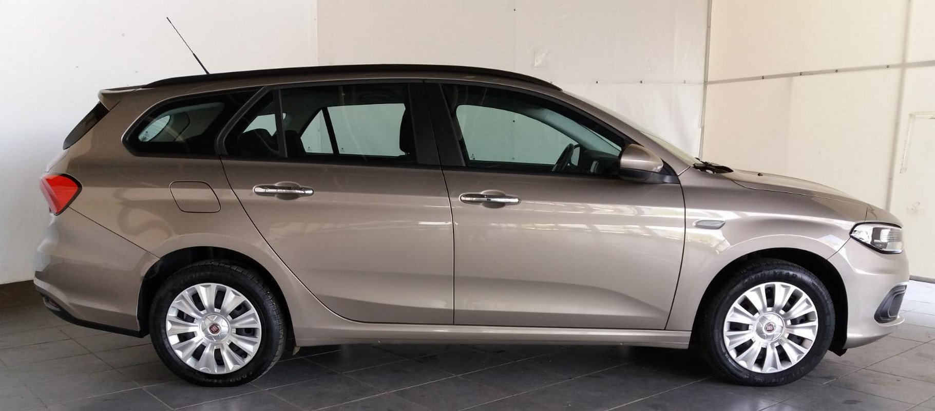 Fiat Tipo SW 1.6 Mjt S&S Easy Business Station Wagon 2016 4