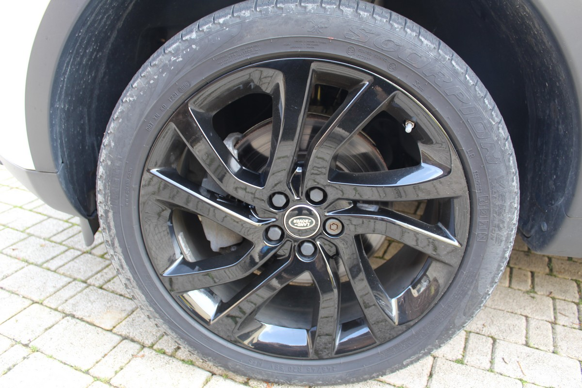 Land Rover Discovery Sport 2.0 TD4 180 CV HSE 2015 20