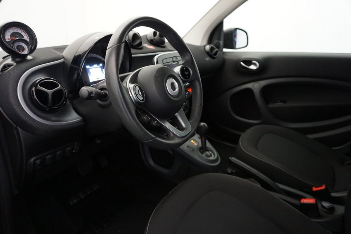 Smart Fortwo 70 1.0 twinamic Passion 2016 10