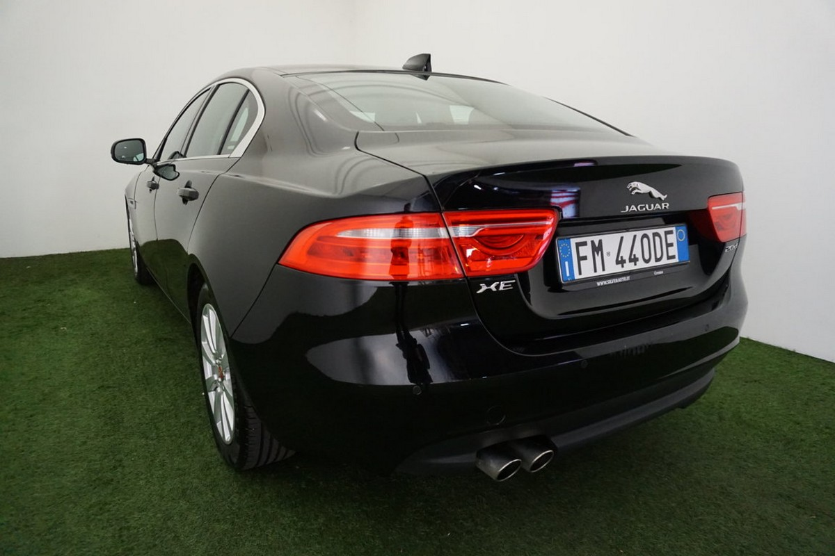 Jaguar XE 2.0 D 180 CV aut. Prestige Business Edition 2017 1