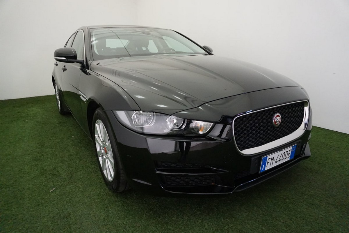 Jaguar XE 2.0 D 180 CV aut. Prestige Business Edition 2017 3