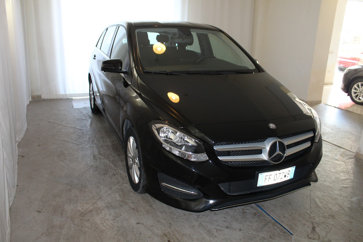 Mercedes-Benz Classe B B 180 d Automatic Business 2015 3