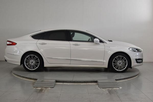 Ford Mondeo Hybrid 5