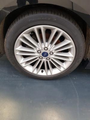 Ford Mondeo Hybrid 21