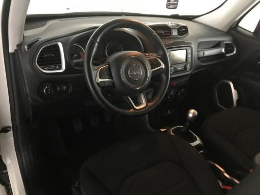 Jeep Renegade 13