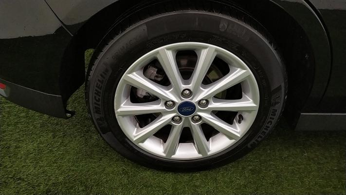 Ford C-Max 15