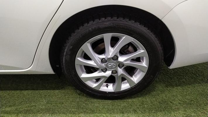 Toyota Auris TS Hybrid 19