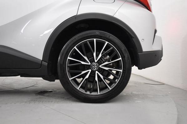 Toyota C-HR Hybrid 22