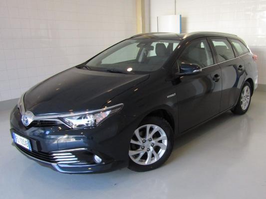 Toyota Auris TS Hybrid 0