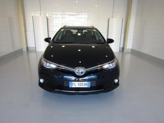 Toyota Auris TS Hybrid 4