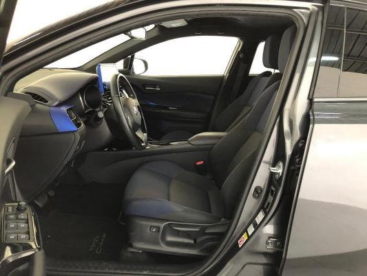 Toyota C-HR Hybrid 33