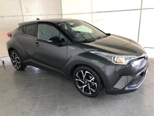 Toyota C-HR Hybrid 4
