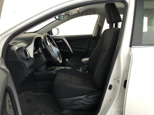 Toyota RAV4 Hybrid 10