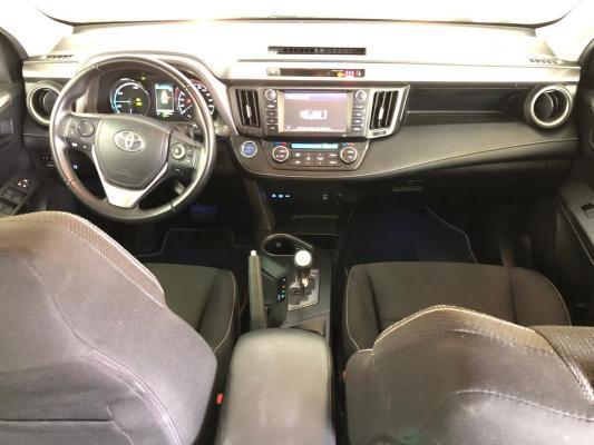 Toyota RAV4 Hybrid 13