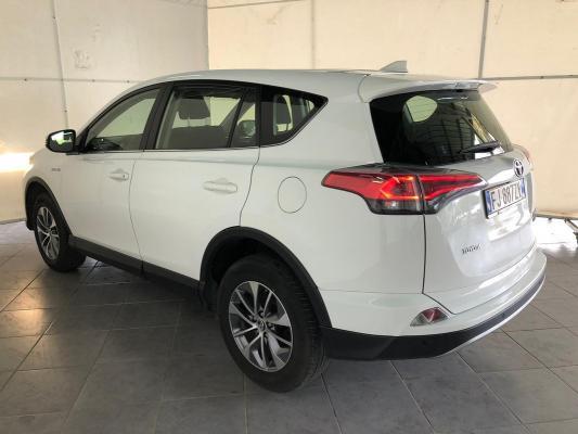 Toyota RAV4 Hybrid 2
