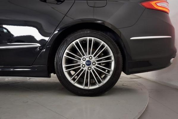 Ford Mondeo Hybrid 22