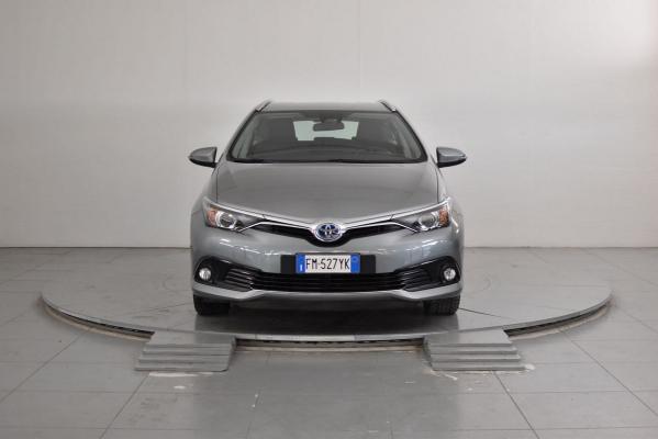 Toyota Auris TS Hybrid 3