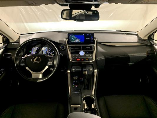 Lexus NX Hybrid 12