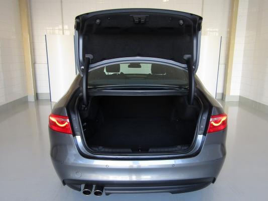 Jaguar XF 9