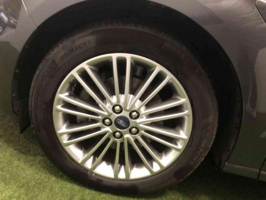 Ford S-Max 26