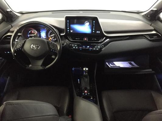 Toyota C-HR Hybrid 12