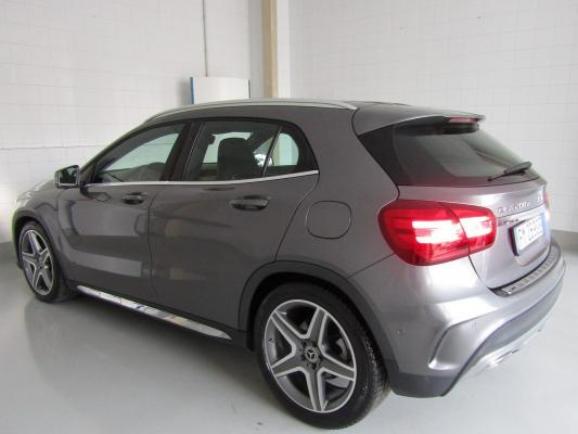 Mercedes-Benz GLA 2