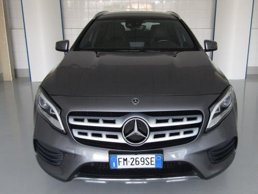Mercedes-Benz GLA 3
