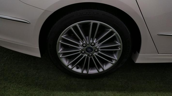 Ford Mondeo Hybrid 18