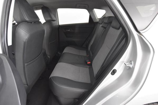Toyota Auris Hybrid 12
