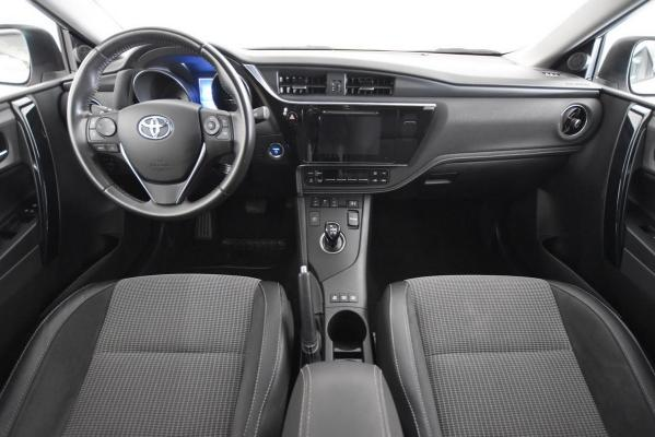 Toyota Auris Hybrid 14