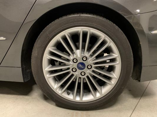 Ford Mondeo Hybrid 25