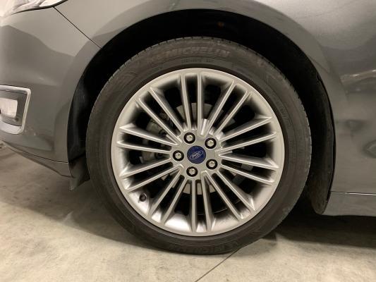 Ford Mondeo Hybrid 26