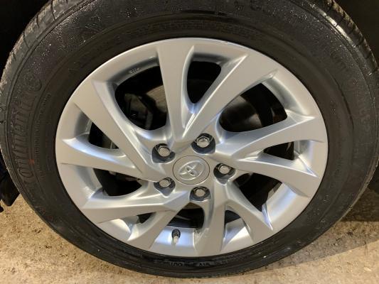 Toyota Auris TS Hybrid 18