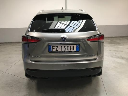 Lexus NX Hybrid 7