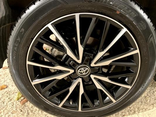 Toyota C-HR Hybrid 21
