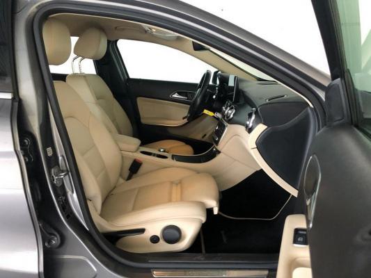 Mercedes-Benz GLA 11
