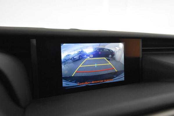 Lexus IS Hybrid 17