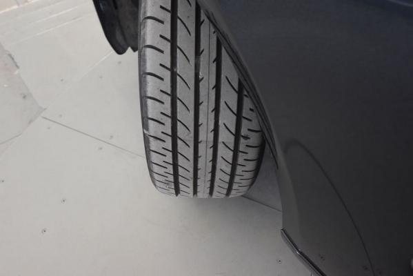 Lexus IS Hybrid 24