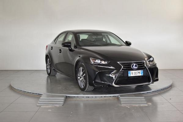 Lexus IS Hybrid 4