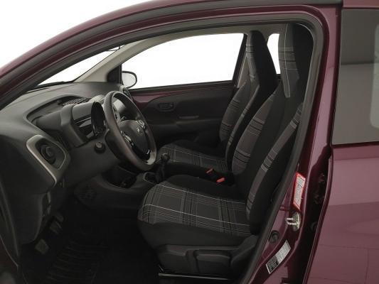 Peugeot 108 9