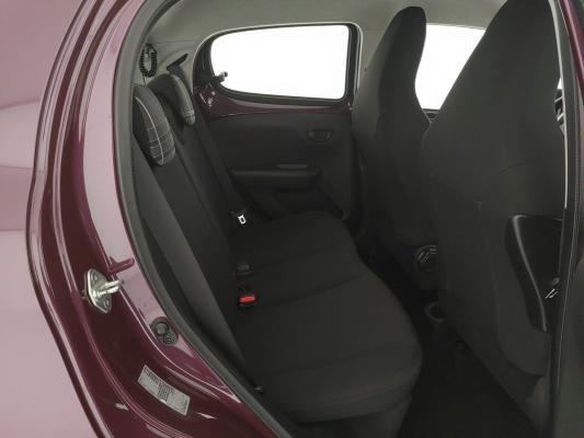Peugeot 108 12