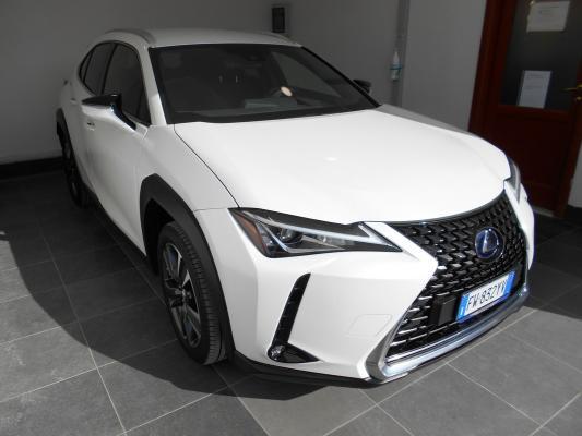 Lexus UX Hybrid 3
