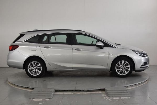 Opel Astra ST 5
