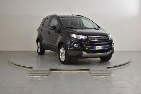 Ford EcoSport 4