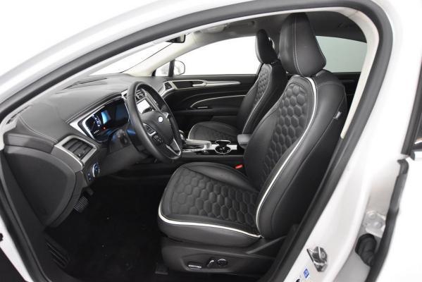 Ford Mondeo Hybrid 9