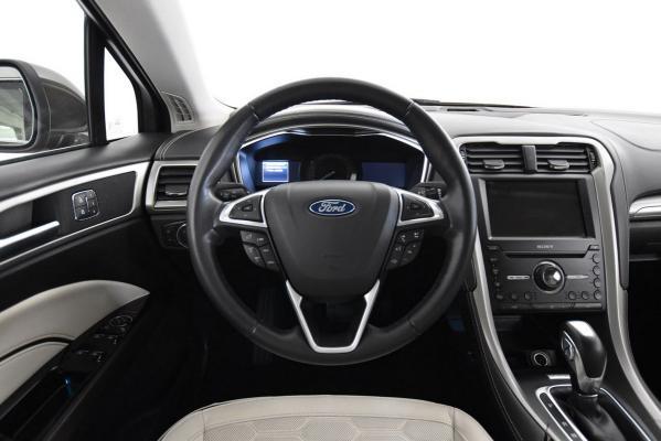 Ford Mondeo Hybrid 16