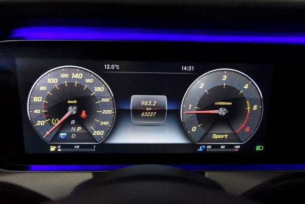 Mercedes-Benz Classe E 16