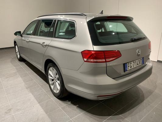 Volkswagen Passat Variant 1