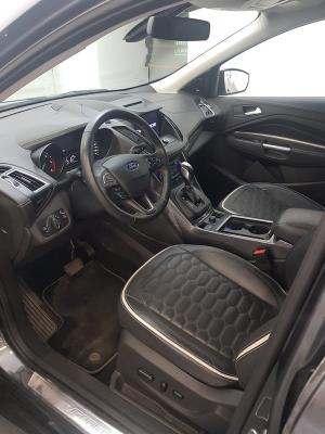 Ford Kuga 9